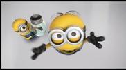 Забавните миньончета в опит за смяна на крушка : D