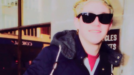 Niall Horan    Super duper cute