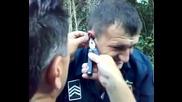 Тъп полицай остава с разкъсано ухо , заради рибарска кукичка