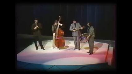 Theodosii Spassov Folk Quartet - Galeno horo.wmv