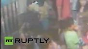 Тайланд: CCTV е хванала на запис заподозрян да оставя раница на мястото на взрива