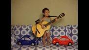 Детенце Пее Hey Jude Китарата по голяма от него Music Idol :D