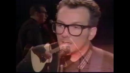 Elvis Costello - Gods Comic Live (89)