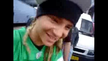 Феновете На Tokio Hotel Подивяват