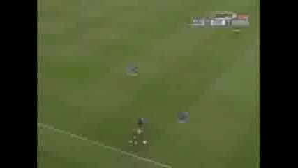 Ronaldinho Vs C. Ronaldo