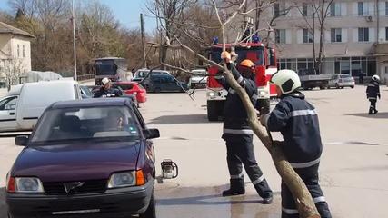 Освещаване на нови противопожарни автомобили в Девня