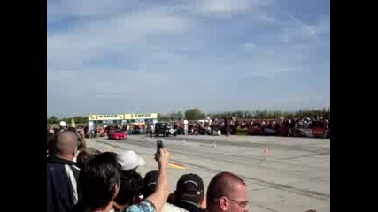 Божурище Драг Ferrari Vs. Mercedes G - Klassa