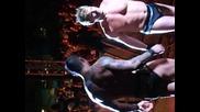Randy Orton изплашва фен хаха
