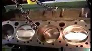 Двигател на Шевролет V8 поставен на стенд без глава