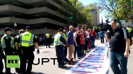 USA: Dozens arrested at 'Justice For Tony Robinson' demo in Madison
