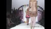 Част От Модното Ревю На Paris Hilton