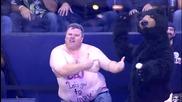 Хокеен фен танцува на Turn Down For What