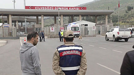 Turkey: Business as usual at Idlib border crossing following deadly airstrike on Turkish troops