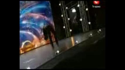 Въздушен акробат на 8 години