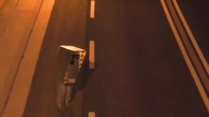 Тарикат с камуфлажен радар се бъзика с шофьори! Смях!