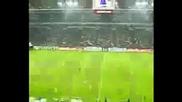 Невероятно!феновете на Левски пеят националния химн на Велтинс Арена
