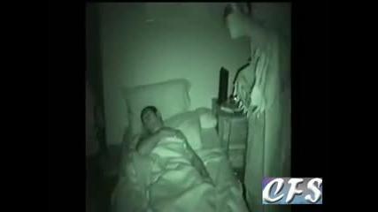 Брутални начини да събудиш приятел