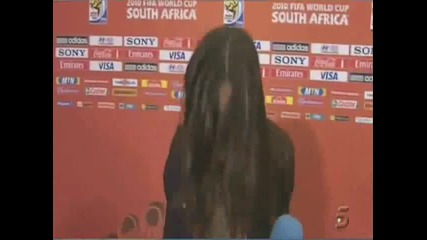Касияс налита на журналистка след финала