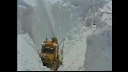 30 Метров сняг затрупа Япония