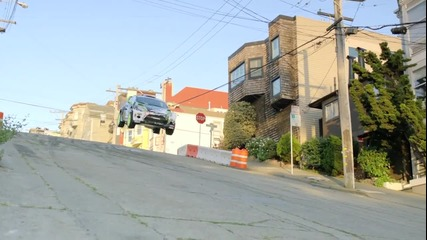 Ken Block се завърна и къса гуми в Сан Франциско