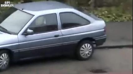Блондинка не може да паркира (смях)