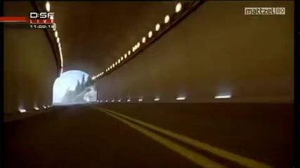 Шумахер рекламира Mercedes Sls