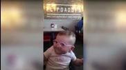 """Бебе с нарушено зрение за първи път """"вижда"""" родителите си !"""