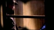 Превод - Alice Cooper - Loves A Loaded Gun ( Високо Качество )
