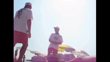 Роми продават царевица на плажа в Созопол