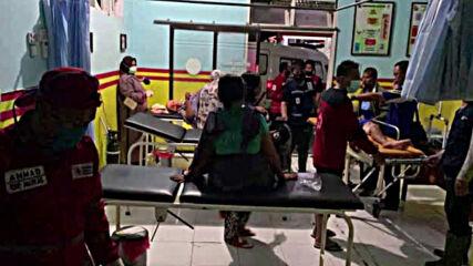Щетите след мощното земетресение в Индонезия
