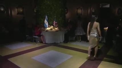 Обама във вихрено танго с танцьорка