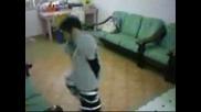 Дете Играе Много Як Танц
