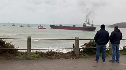 UK: Grounded Russian ship rescued in Cornwall