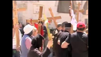 Хиляди богомолци минаха по Виа Долороса