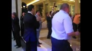 прзидента Медведев танцува