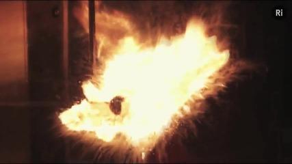 Огнен стълб - затова не трябва никога да се излива вода върху запалено олио