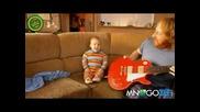 Бебок праска - солото на китара