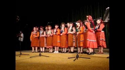 Хор за автентично пеене при читалище Г. Раковски - село Мугла