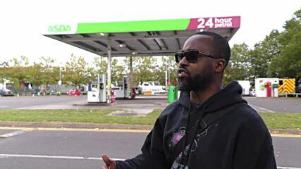 UK: Londoners react as petrol stations reduce capacity amid shortage