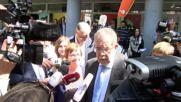 Austria: Green Party's Van der Bellen casts ballot in presidential runoff