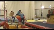 Пич се пребива в зала за гимнастика