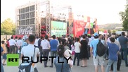 Азербайджански фенове гледат борба на голям екран