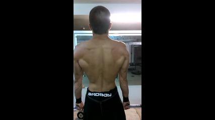 Мъртва тяга упражнение за гръб