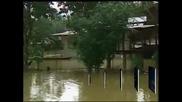 Хиляди евакуирани заради наводнения в източната част на Малайзия