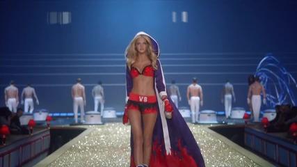 2010 Victoria's Secret Fashion Show: Runway Highlights