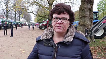 Netherlands: Farmers drive tractors into Haarlem to protest govt. nitrogen policy