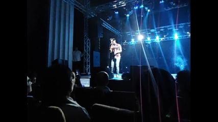 Радко на сцената с Веселин Маринов