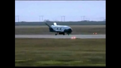 Американски безпилотен космически самолет се приземи в Калифорния