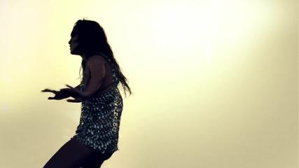 Jennifer Lopez - I'm Into You feat. Lil Wayne