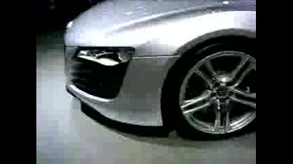 Audi - R8
